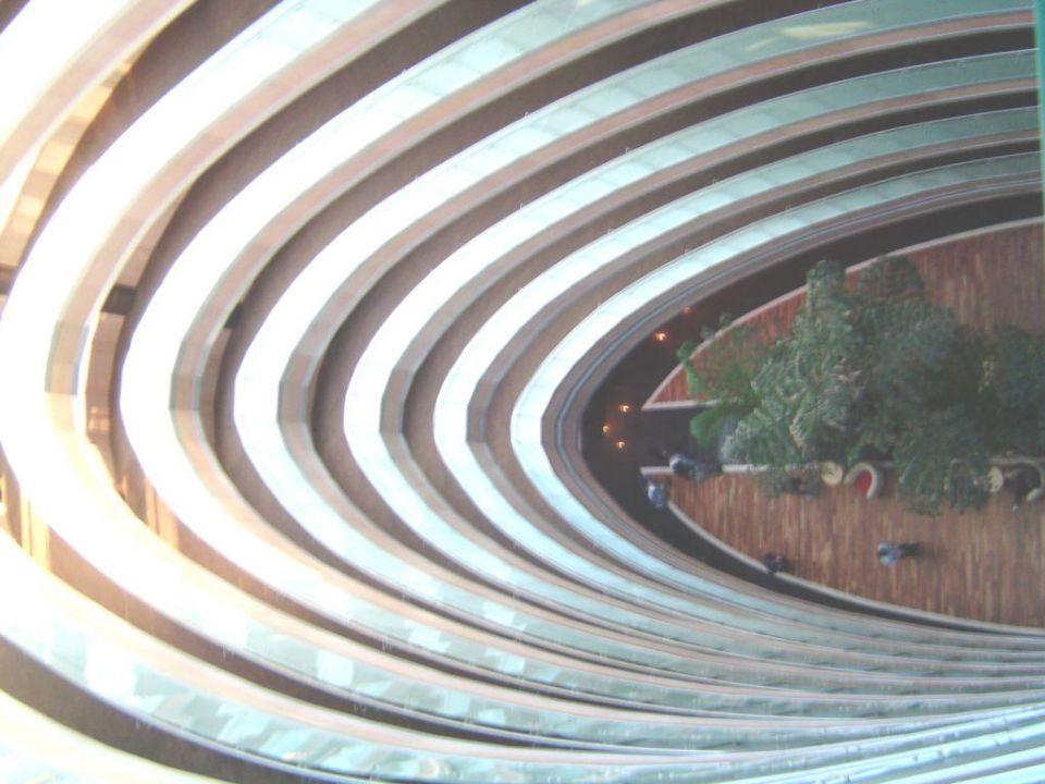 Blick aus dem 10 Stock in die Eingangshalle Hotel Royal Wings