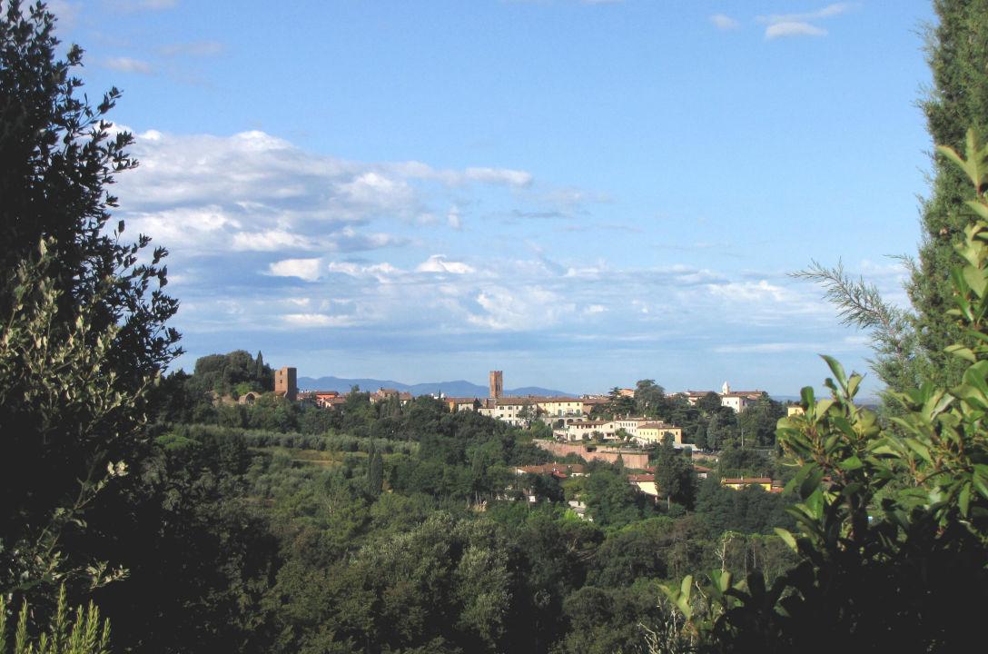 Terrassenblick nach Montopoli Agriturismo Montalto