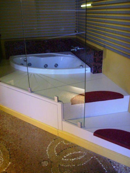 Jacuzzi/Whirlpool im Hotelzimmer Hotel Al Nido di Giulietta e Romeo