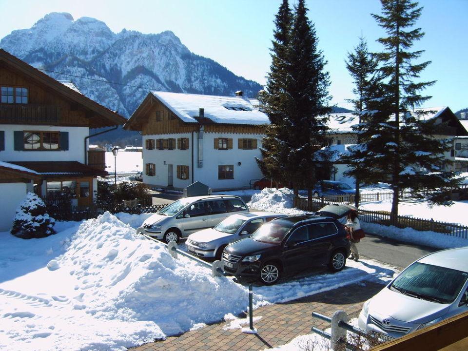 Parkplatz und Aussicht Schwangauer Ferienhaus (geschlossen)