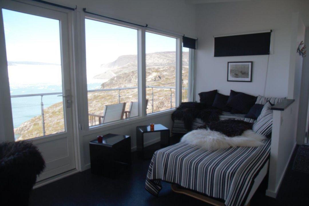 Sofa Vor Fenster comfort cabin 14 sofas vor fenster glacier lodge eqi ilulissat
