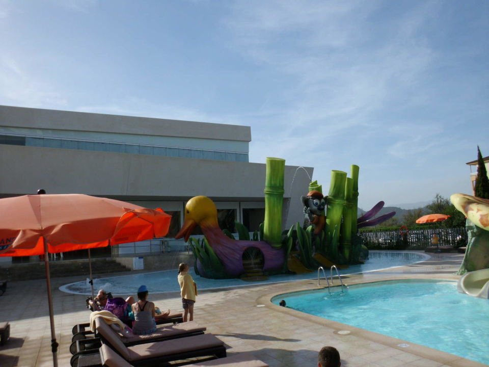 Kleiner splash rutsche pool playa de muro suites in for Kleiner pool