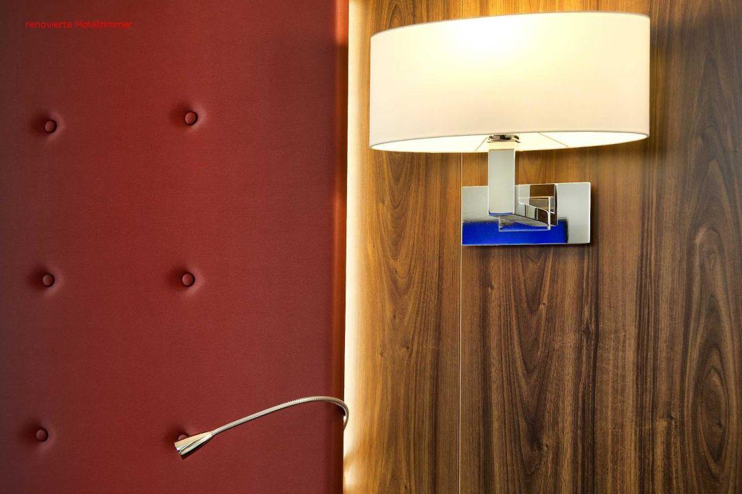 bild badezimmer zu fora hotel hannover in hannover. Black Bedroom Furniture Sets. Home Design Ideas