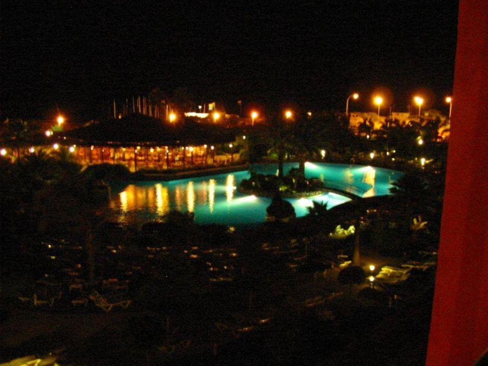 Der Pool bei Nacht TUI FAMILY LIFE Islantilla