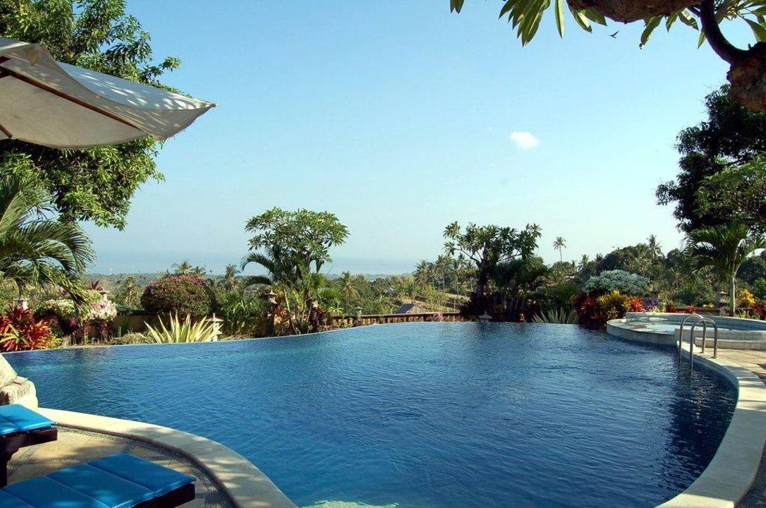 Pool mit Ausblick Hotel Puri Mangga