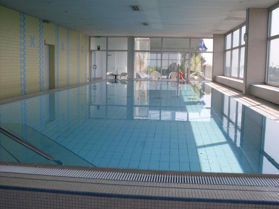 Penthousepool Renaissance Dusseldorf Hotel Dusseldorf