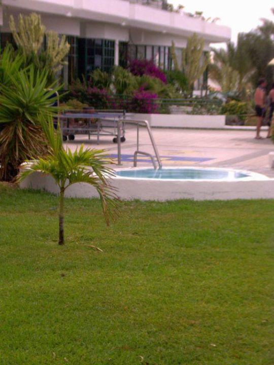 Whirlpool, Shuffelboard und Tischtennis Hotel Barcelo Santiago
