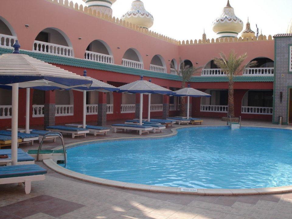 Einer von vier kleineren Pools Alf Leila Wa Leila
