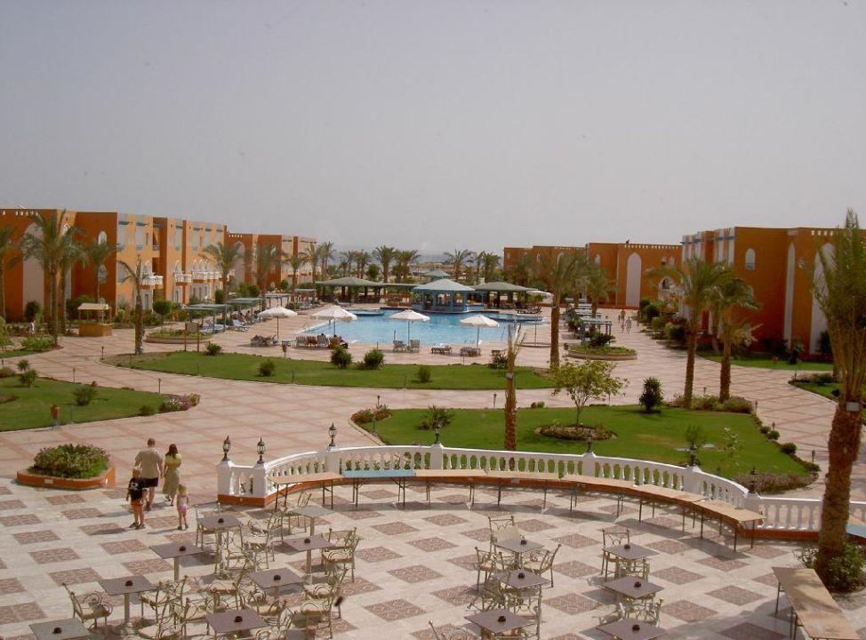 Poolblick vom Haupthaus SUNRISE Garden Beach Resort