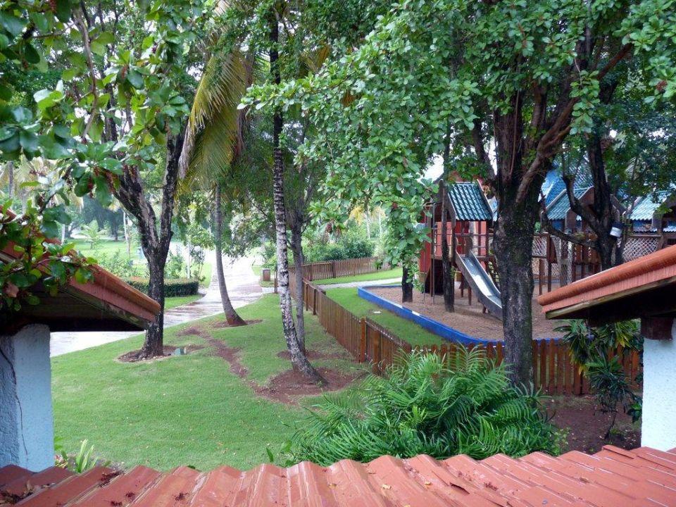 Ausblick vom oberen Fenster aus dem Bungalow Hotel Grand Paradise Samana
