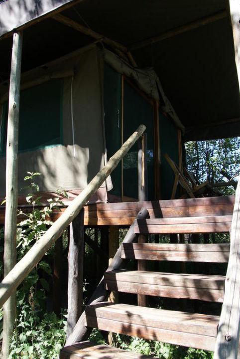 Zelt auf Plattform Hotel Kwara Camp