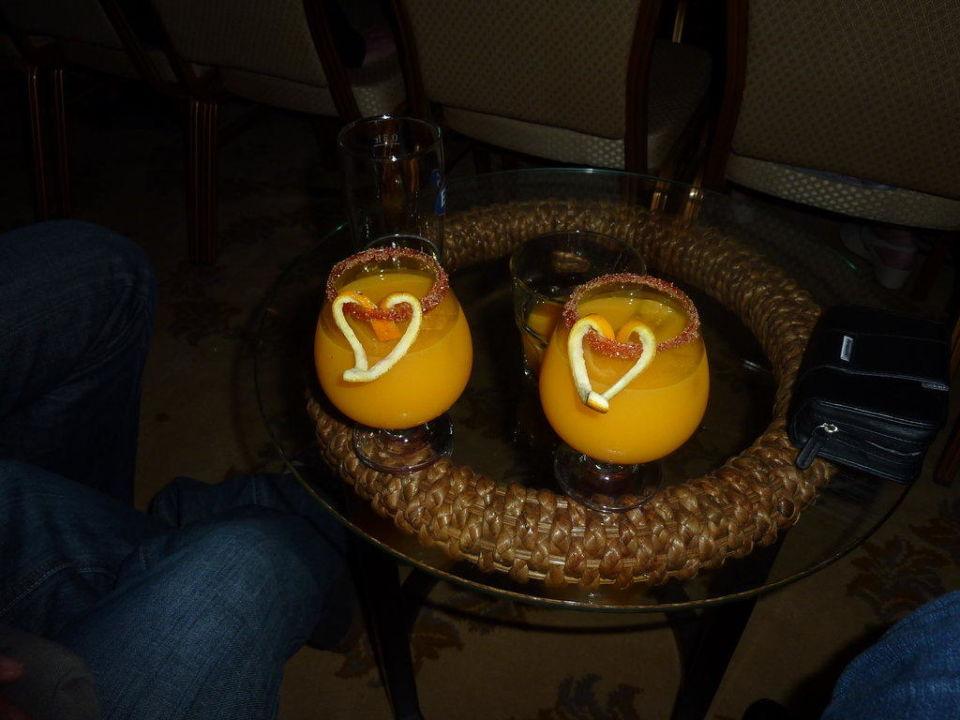 Cocktails mit Liebe zubereitet Hotel Royal Dragon