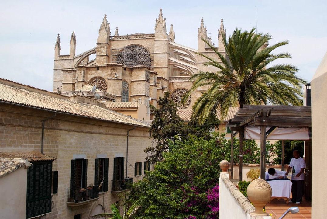 Terraza y Catedral de Palma Hotel Palacio Ca Sa Galesa