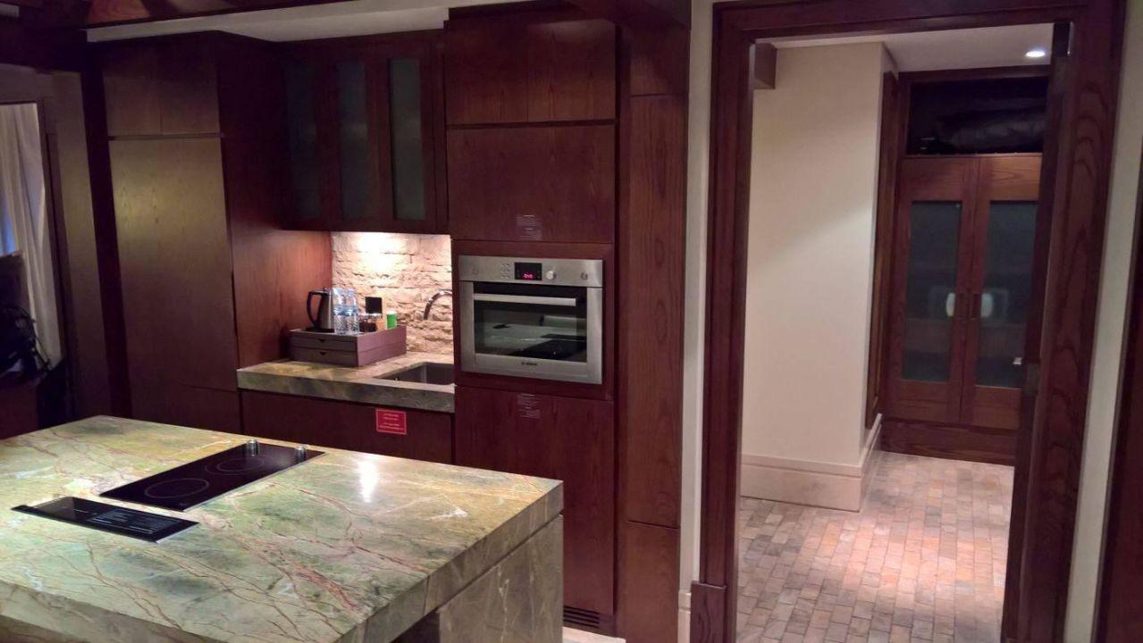Appartement: Küche mit Theke\