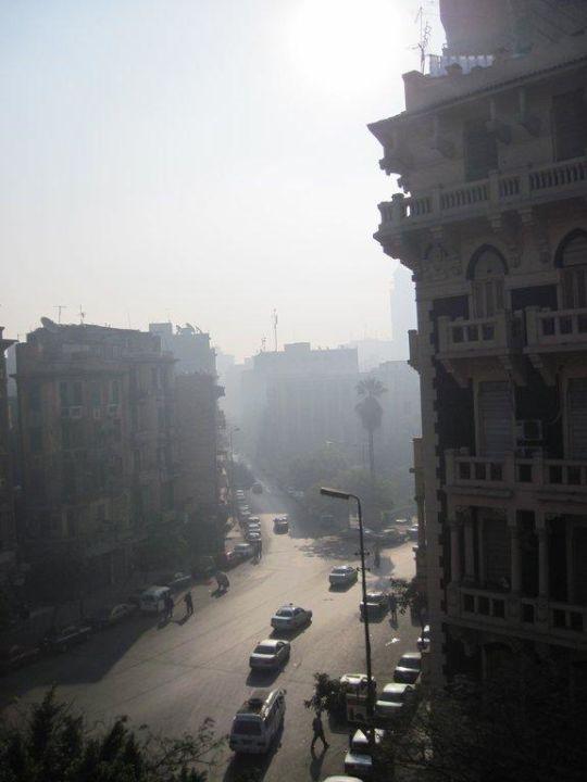 Zimmer 318, Blick aus dem Fenszer auf die Straße Hotel Victoria