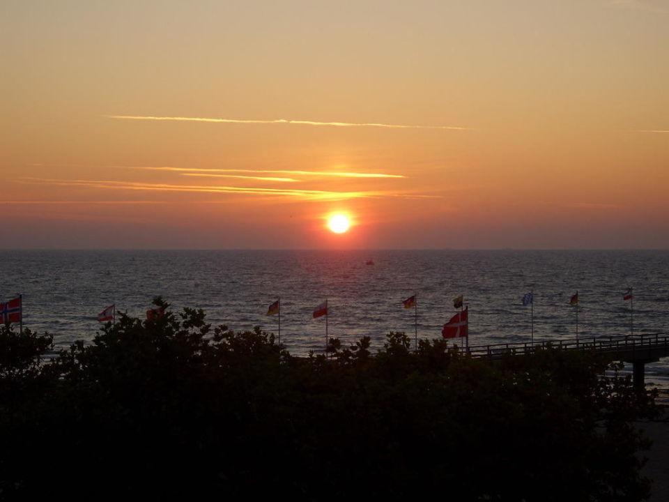 Sonnenaufgang Ostsee-Hotel
