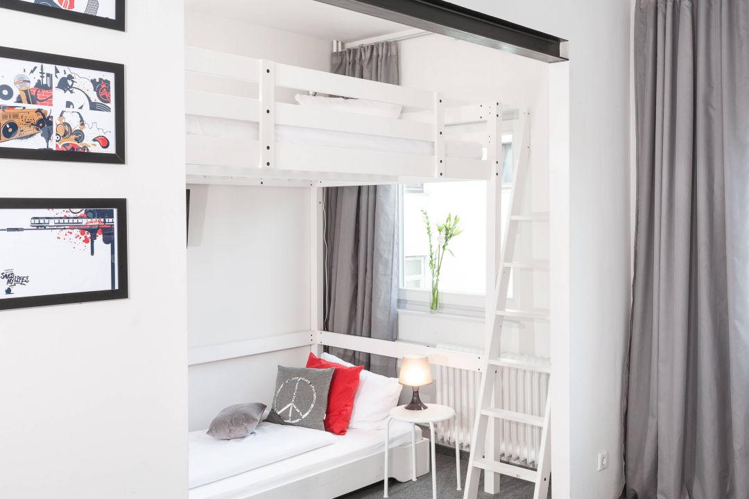 bild 1 2 liegepl tze hanne mermaid von st pauli zu. Black Bedroom Furniture Sets. Home Design Ideas