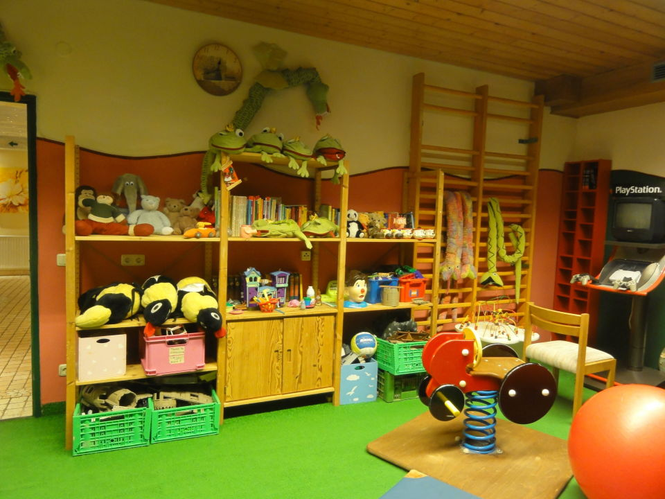 Bild kinderzimmer zu hotel moisl in abtenau for Kinderzimmer 7 5 m2