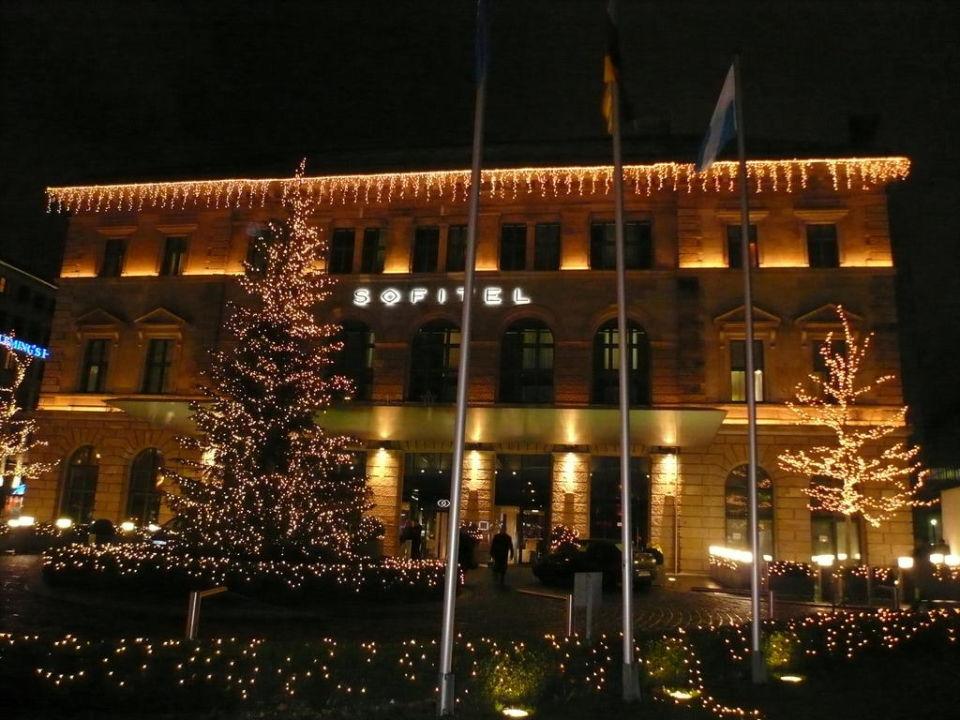 Hotel bei Nacht Sofitel Munich Bayerpost Hotel