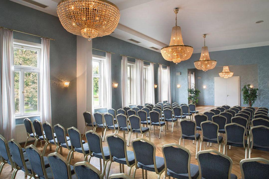 festsaal solewerk hotel s chsischer hof meiningen holidaycheck th ringen deutschland. Black Bedroom Furniture Sets. Home Design Ideas