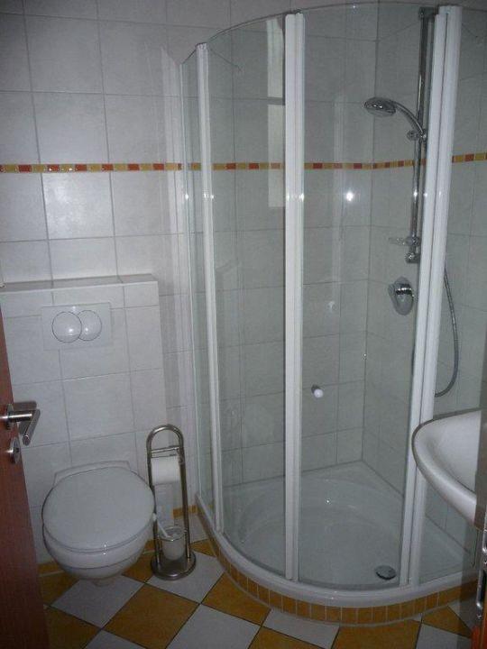 Badezimmer mit Fußbodenheizung und Handtuchwärmer!\