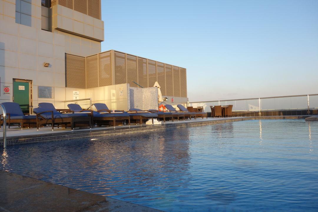 Pool Park Regis Kris Kin Hotel