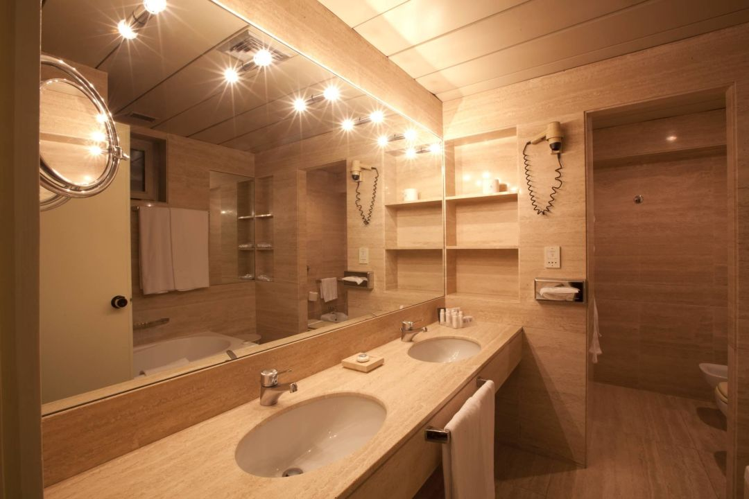 Bagno in marmo theedwardgroup