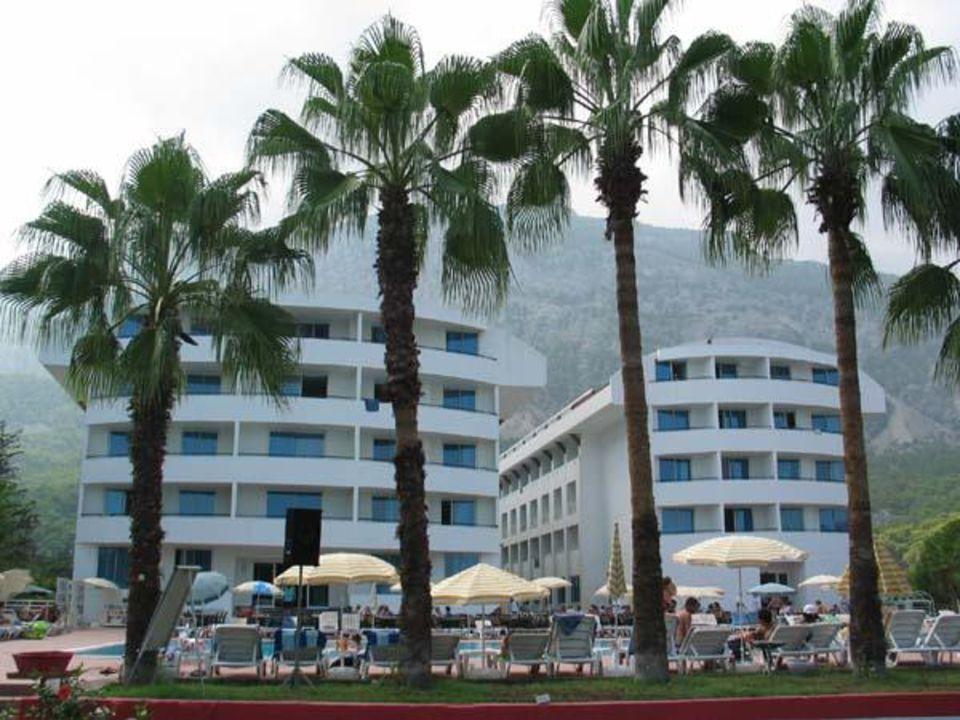 Poolansicht Hotel Ring Beach