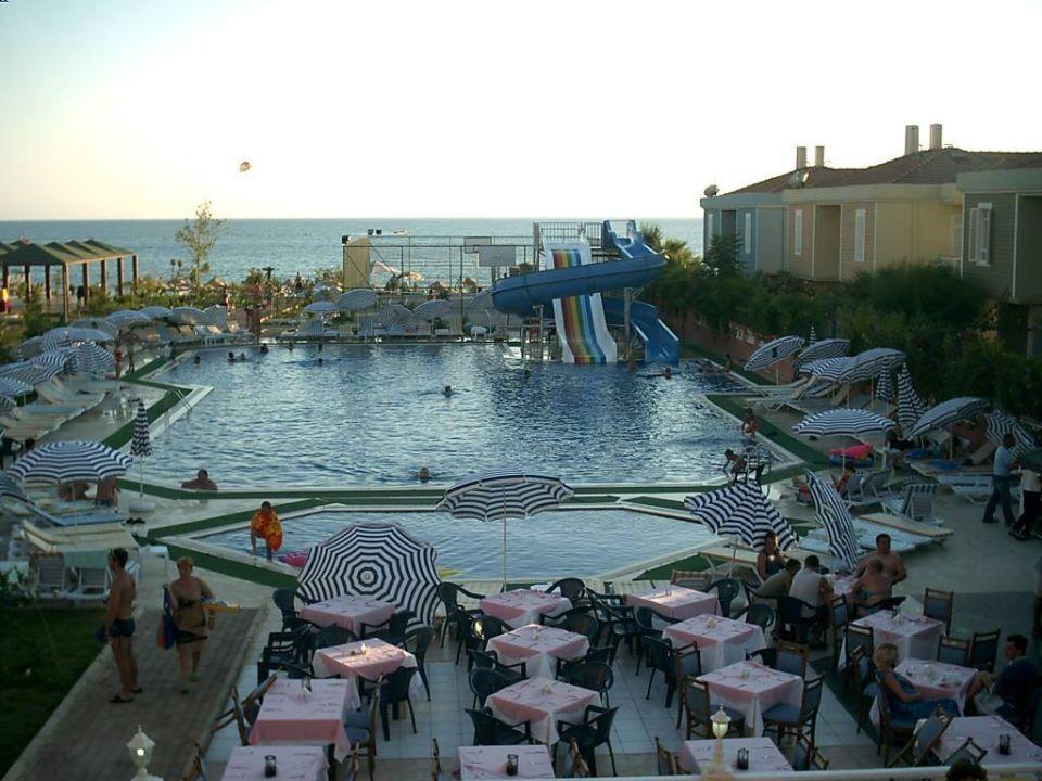Blick vom Hotel in Richtung Strand Hotel Concordia Celes