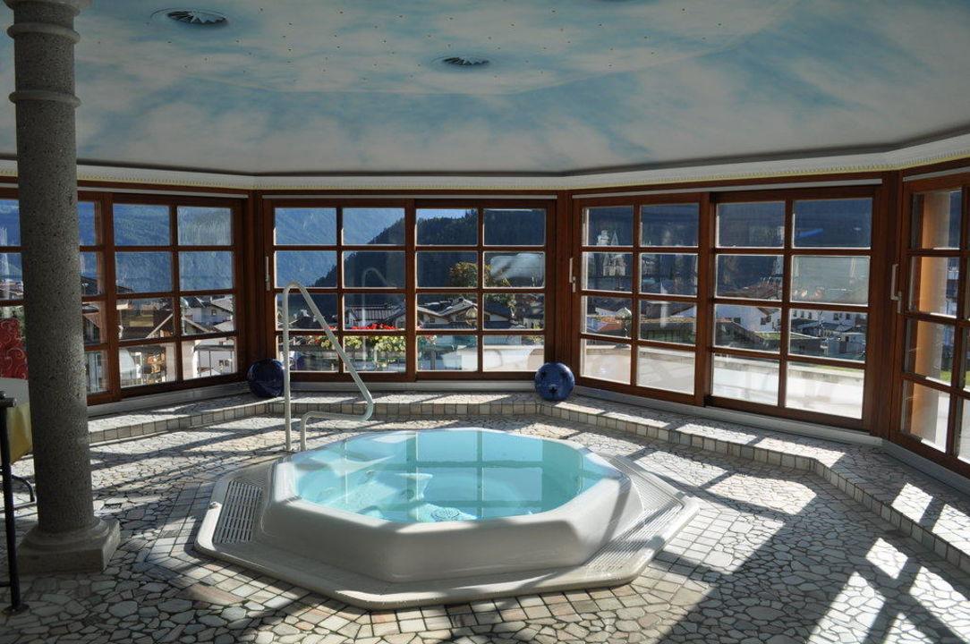 Whirlpool Hotel Cervosa