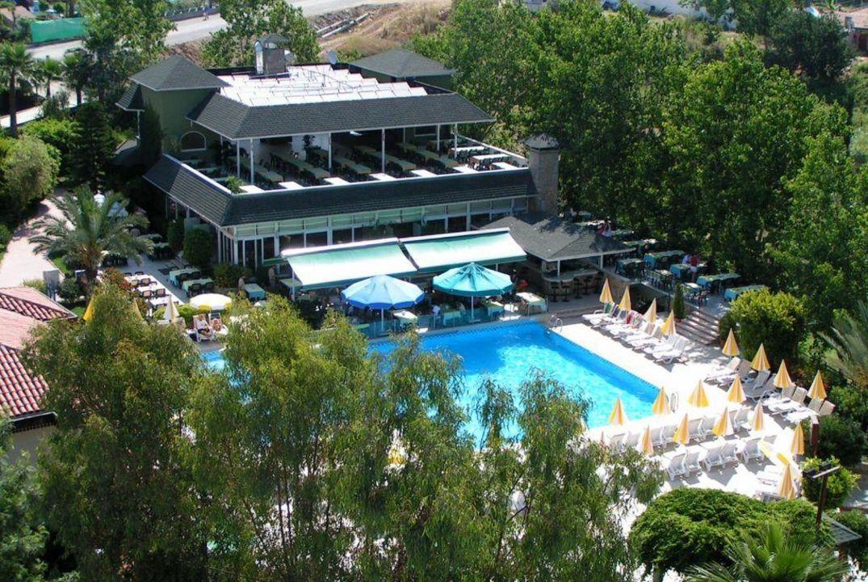 Poolanlage mit Restaurant Hotel Gardenia Beach
