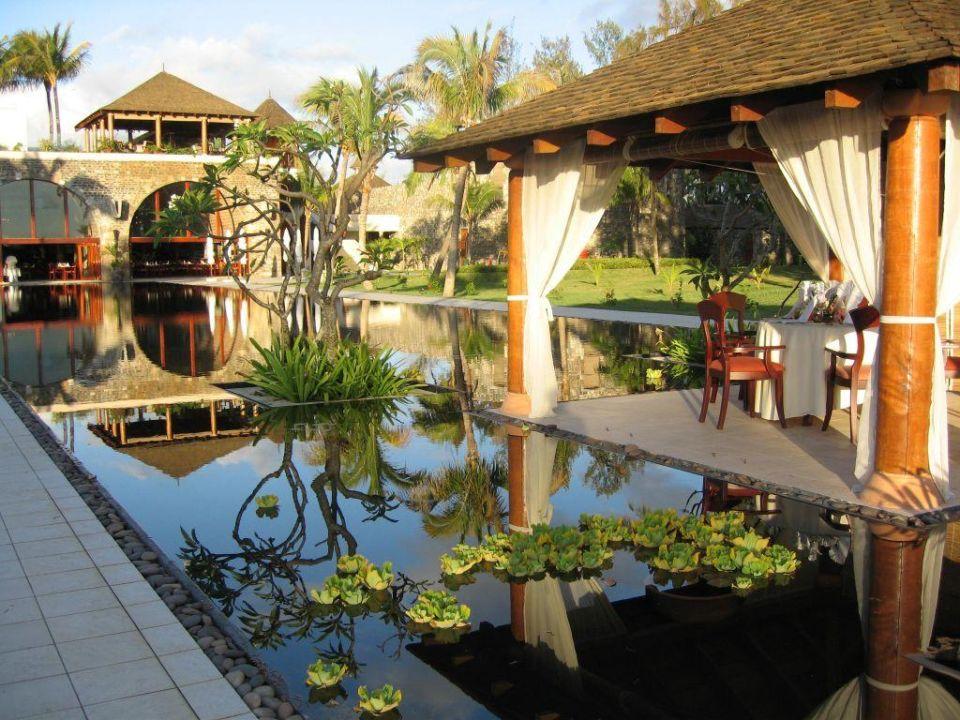 Blick zum Restautrant Outrigger Mauritius Beach Resort