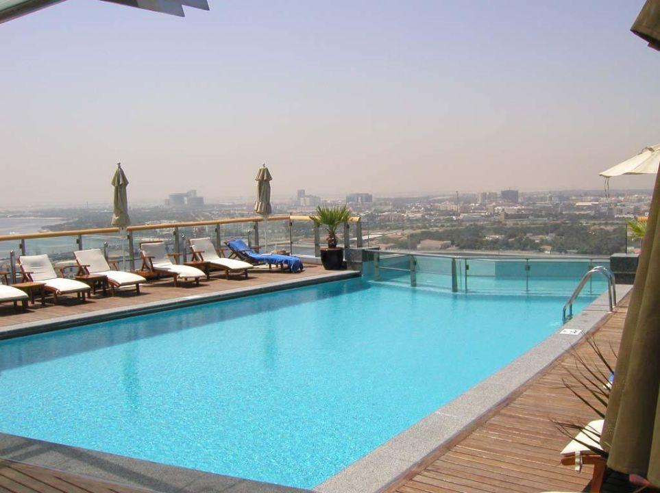 Dubai Hilton Creek auf dem Dach #1 Hilton Dubai Creek