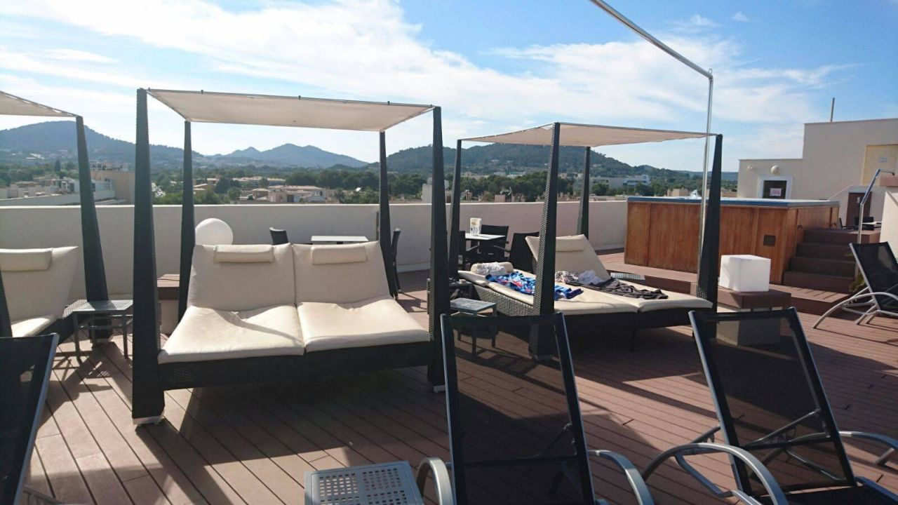 Quot Chill Out Terrasse Quot Cooee Aparthotel Cap De Mar In Cala Bona Holidaycheck Mallorca Spanien