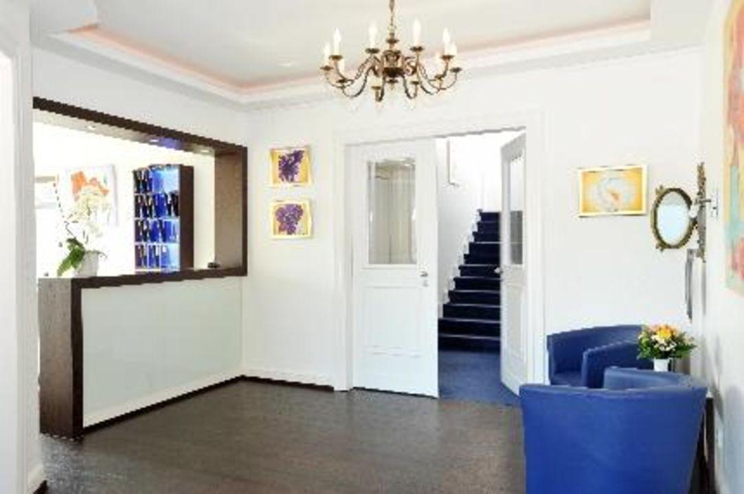 Hotelobby und Rezeption vom Strandhotel Strandhotel Sylt