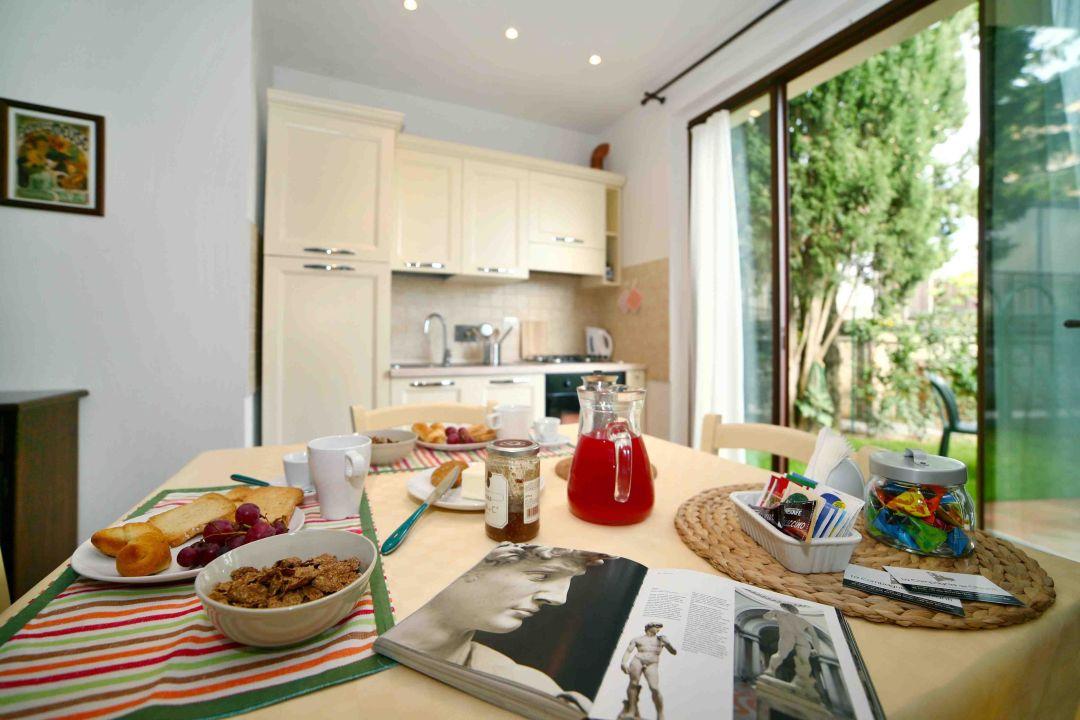 Petrarca apartment - kitchen La Compagnia del Chianti