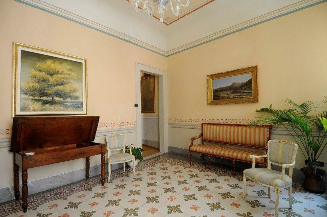 Our entrance hall A Palazzo Busdraghi Residenza D'Epoca