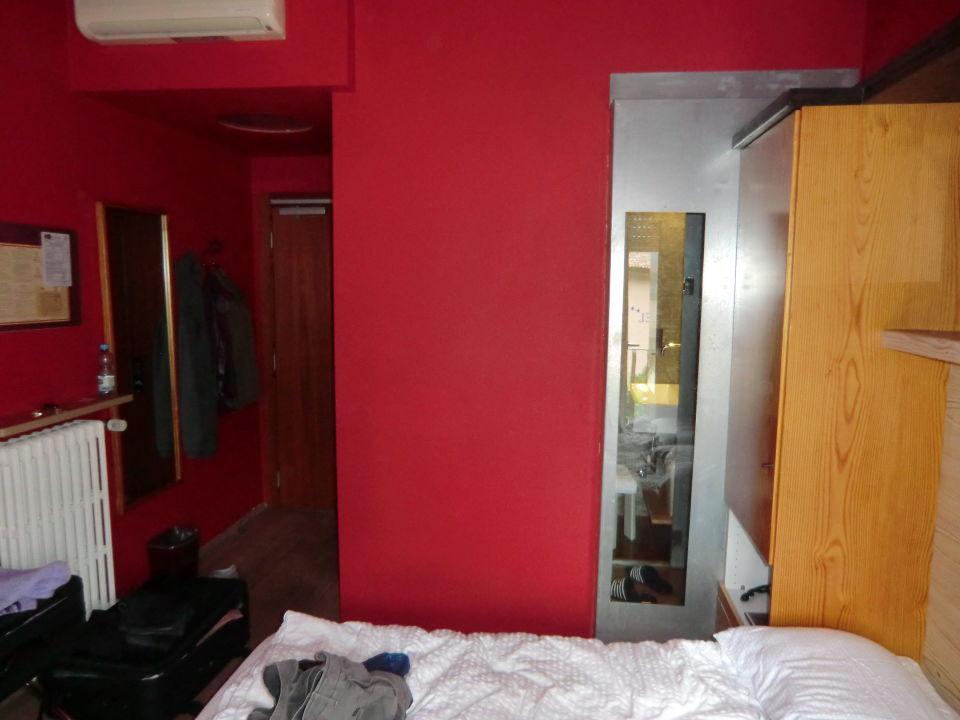zimmer mit ausblick ins badezimmer hotel luna rossa malcesine holidaycheck venetien. Black Bedroom Furniture Sets. Home Design Ideas