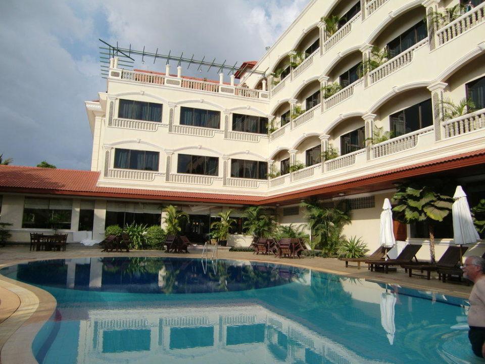 Pool & Hotel Hotel Khemara Angkor
