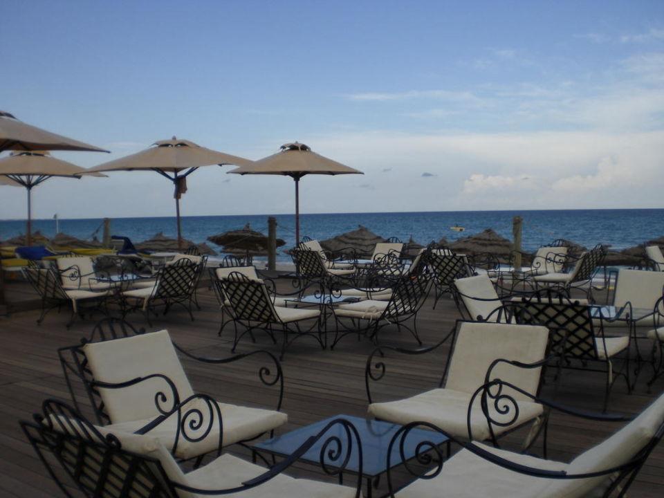 Sitzecke oberhalb vom Strand Hotel Thalassa Mahdia