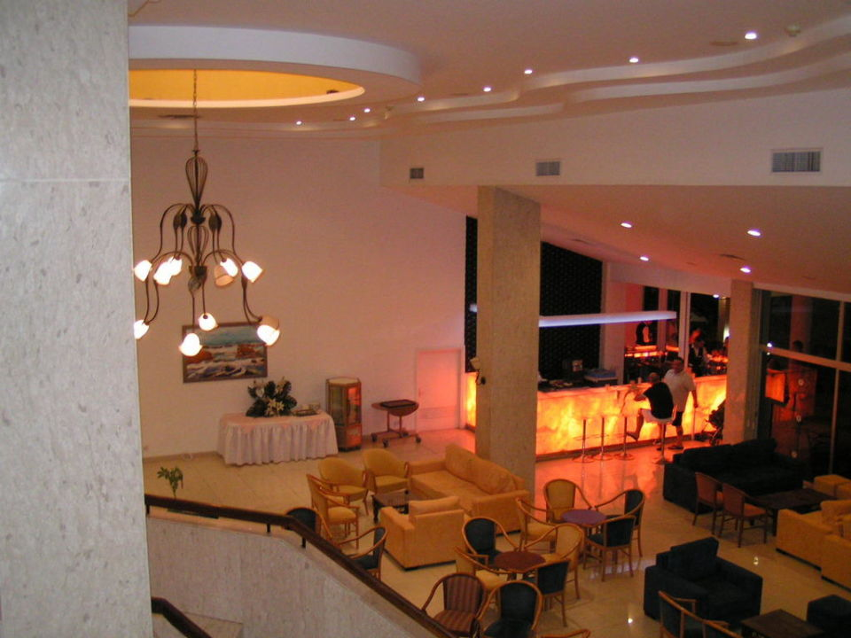 Night Bar Dome Beach Hotel & Resort