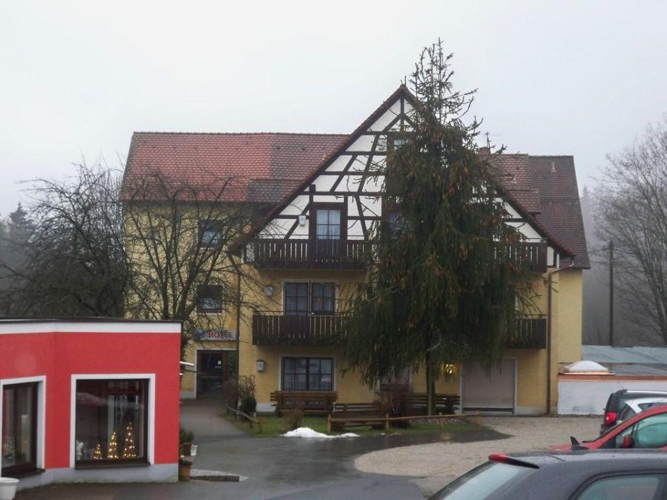 Rezeption - Außenansicht Familienhotel Friedrichshof