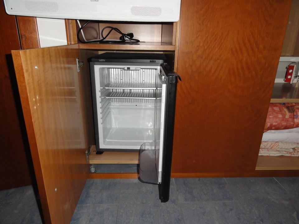 Kleiner Getränkekühlschrank : Amstyle mini kühlschrank liter kleiner kühlschrank schwarz