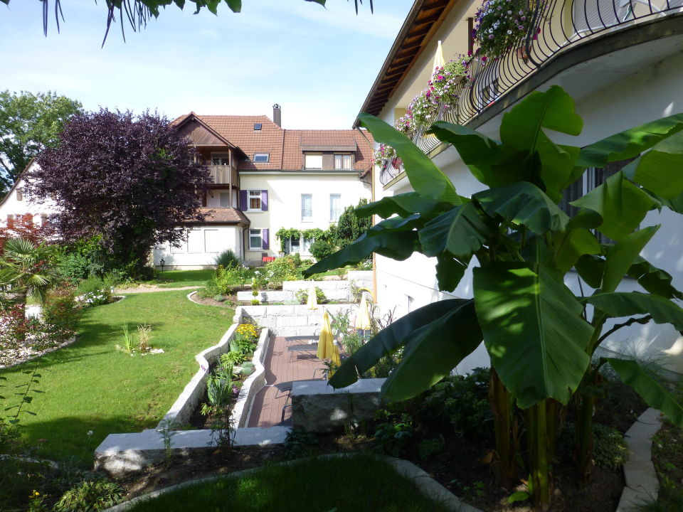 In bad met zicht op de tuin design wonen knack weekend