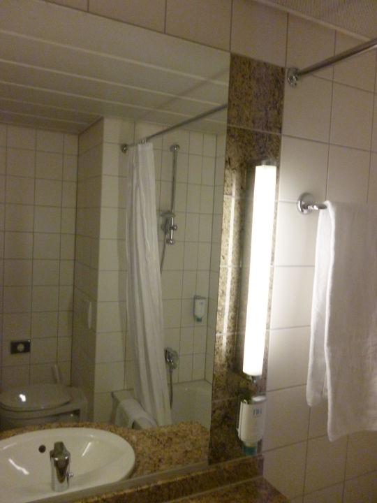 Großer Badezimmerspiegel\