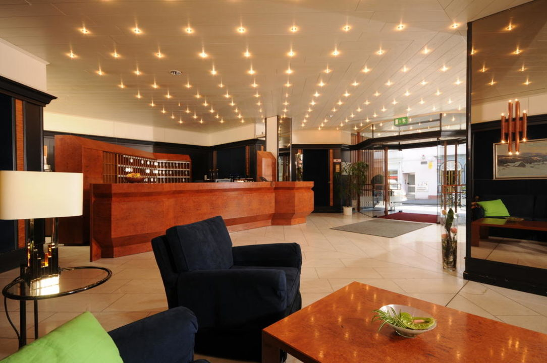 Lobby & Rezeption Hotel Marburger Hof