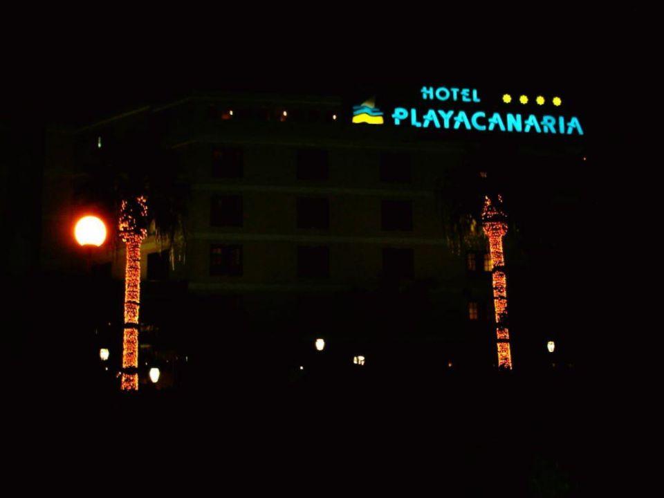 Aussenaufnahme bei Nacht Blue Sea Costa Jardin & Spa