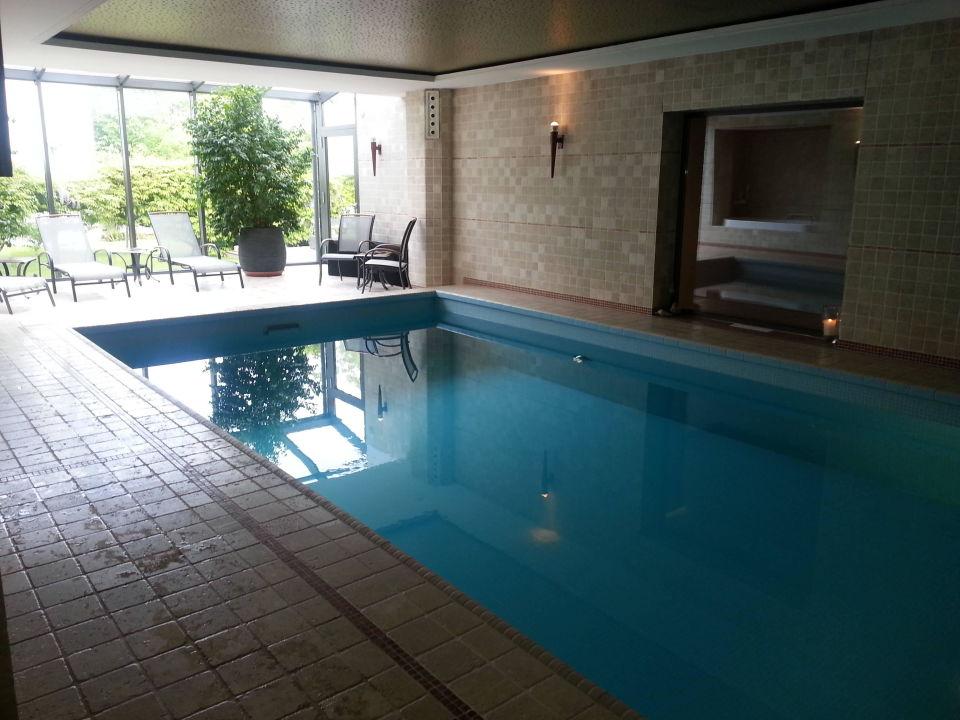 Villa Hügel Schwimmbad