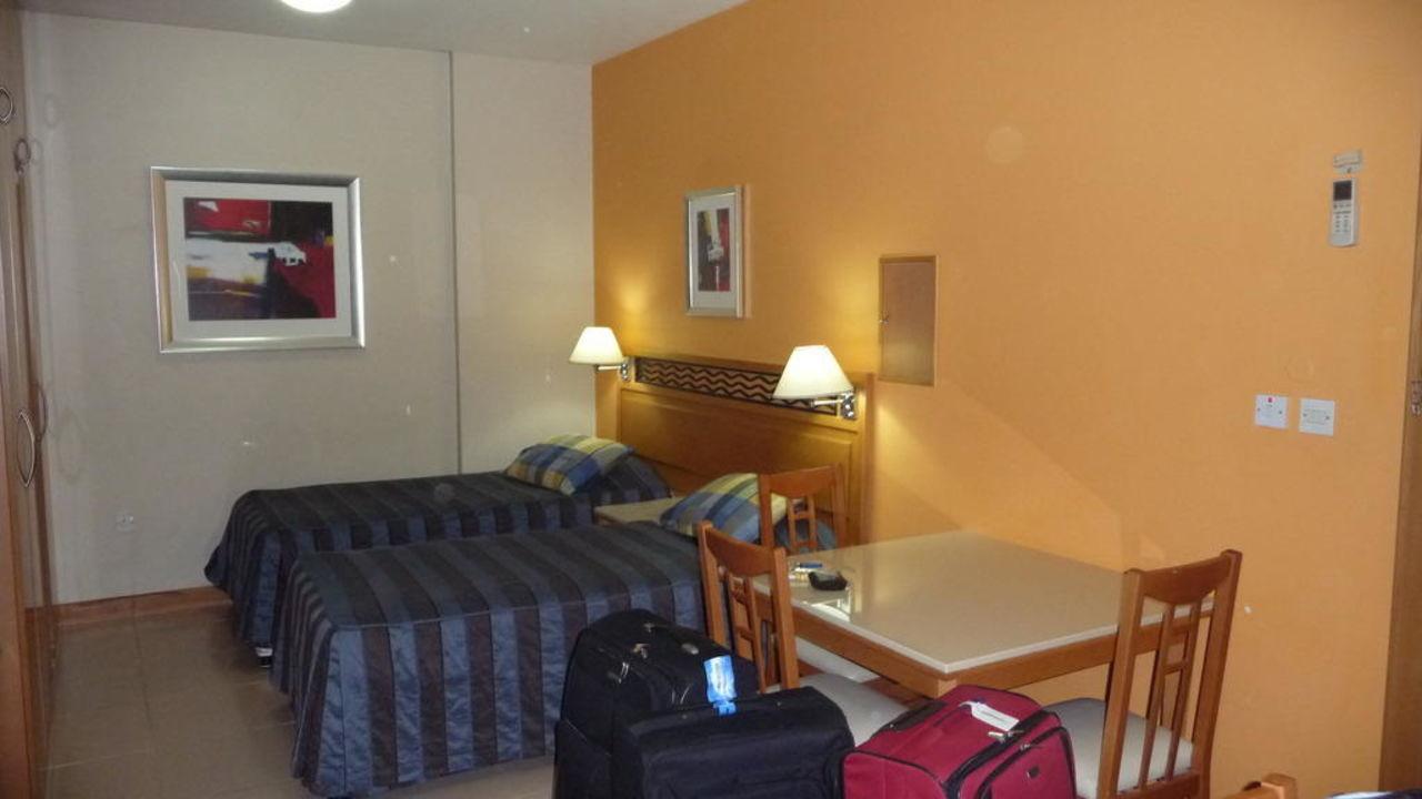 Zimmer Golden Sands Hotel Apartments