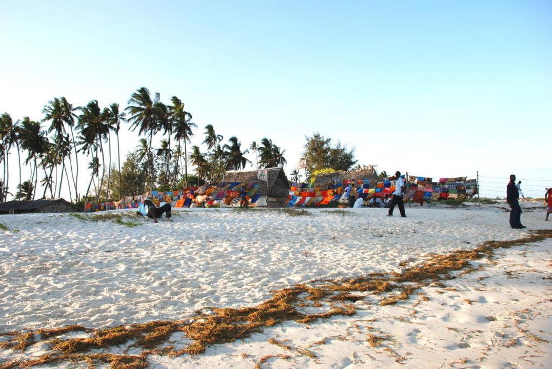 Strand nach der Flut... Neptune Paradise Beach Resort & Spa